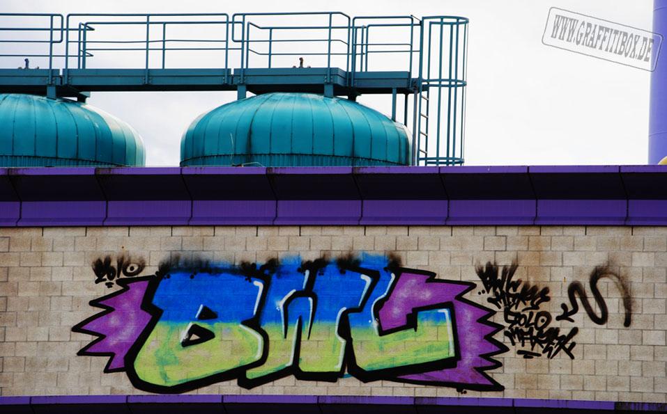 awww.graffitibox.de_bombwochec.jpg