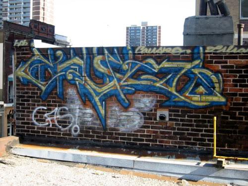 aimg64.photobucket.com_albums_v194_bowzr_graffiti_torontoi_100_0077_IMG.jpg