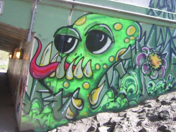 ai48.photobucket.com_albums_f231_michael2727_graffitibyhouse024.jpg
