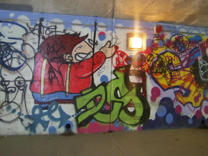 ai48.photobucket.com_albums_f231_michael2727_graffitibyhouse019.jpg