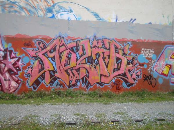 ai127.photobucket.com_albums_p151_fuckwad666420_adlib2.jpg