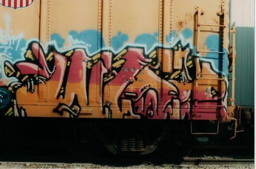 aimg.photobucket.com_albums_v159_labrodent_WYSEUPFEYELLOW.jpg