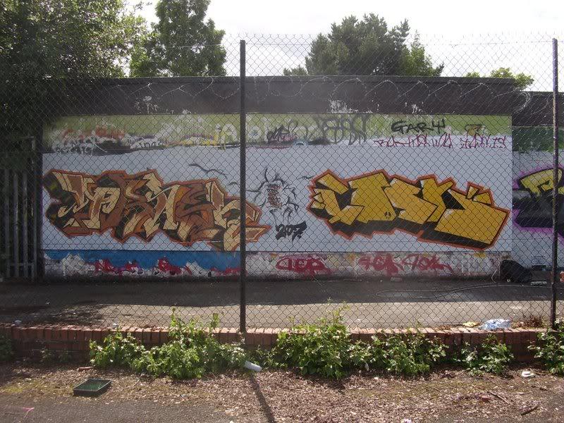 ai64.photobucket.com_albums_h194_trashhh__pieces_STA41130.jpg
