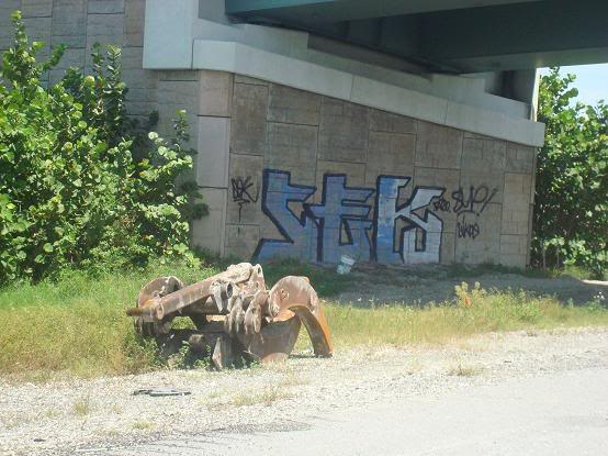 ai122.photobucket.com_albums_o251_glocK107_graff2010.jpg