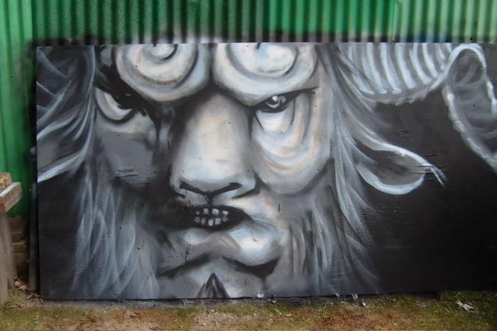 aimg.photobucket.com_albums_v495_k_vandal_chalk_pans.jpg