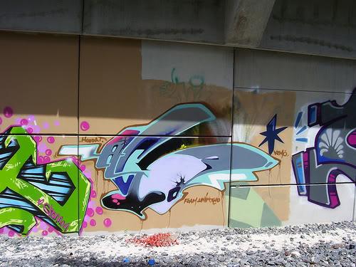 ai210.photobucket.com_albums_bb110_ceet561_acid.jpg