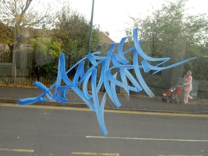 ai15.photobucket.com_albums_a356_MrTastie_blue.jpg