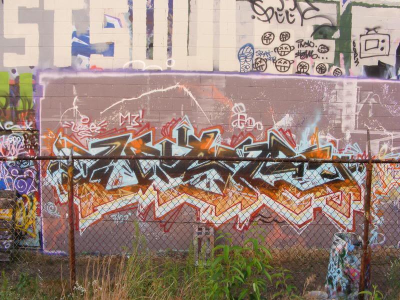 ai95.photobucket.com_albums_l123_LUSTEROCKS_2007_0708Painting0002.jpg