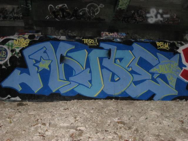ai47.photobucket.com_albums_f173_starscream247_ARTWORK_camera1084_1.jpg