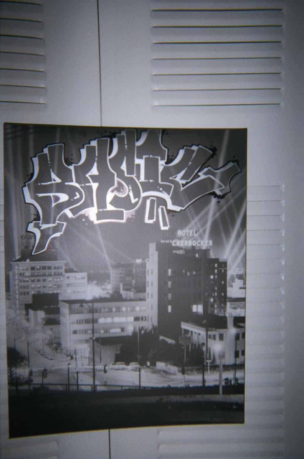 ai26.tinypic.com_14oar6w.jpg