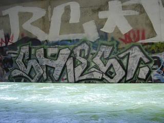 ai39.photobucket.com_albums_e154_yoyoblow_shiest2.jpg