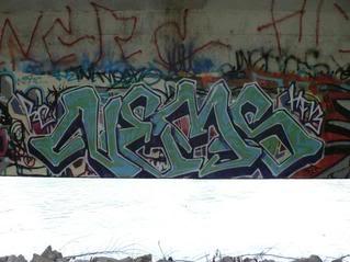 ai39.photobucket.com_albums_e154_yoyoblow_nems.jpg