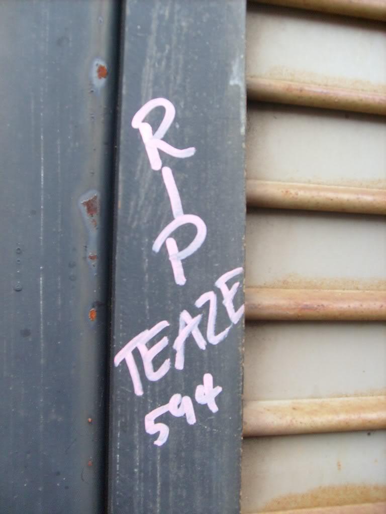 ai232.photobucket.com_albums_ee170_Revived1_Graffiti_RIPTeaze1.jpg
