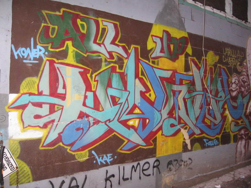 ai92.photobucket.com_albums_l8_mikeylykesit_graffiti.jpg