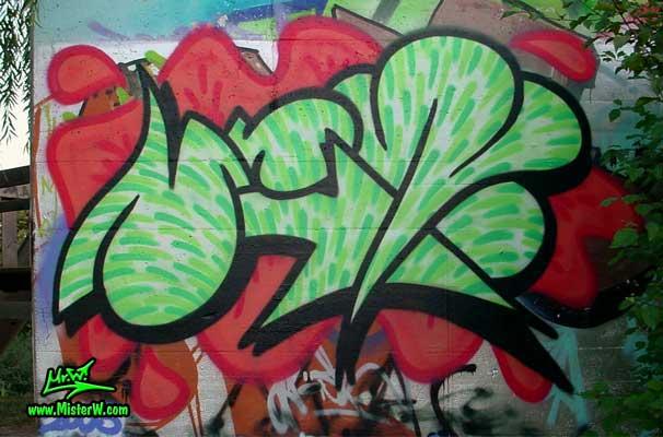 awww.misterw.com_Graffiti_CellPhoneGraffiti.jpg