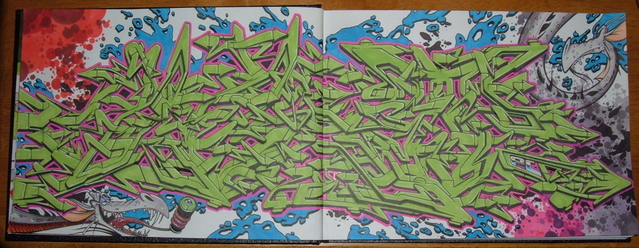 awww.shapelessmass.com_junk_blackbooks__not_mine__DSCF6727.jpg