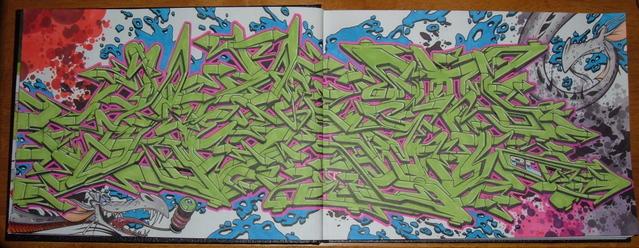 awww.shapelessmass.com_junk_blackbooks__not_mine__DSCF6727.jpg
