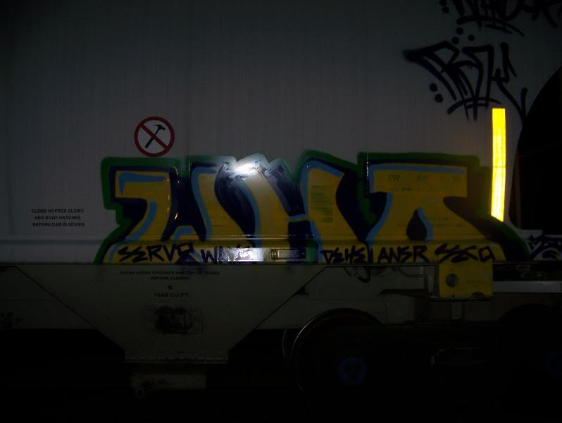 ai75.photobucket.com_albums_i318_poochyjames_100_1694.jpg