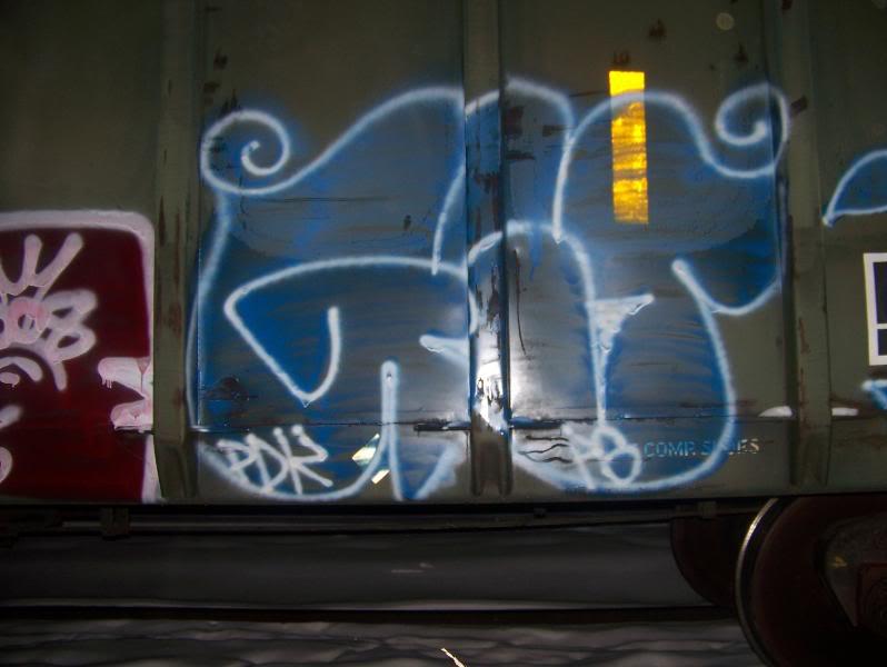 ai75.photobucket.com_albums_i318_poochyjames_100_2036.jpg