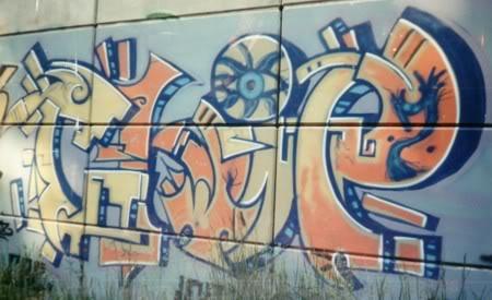 ai298.photobucket.com_albums_mm261_zootedkid_chip_1.jpg