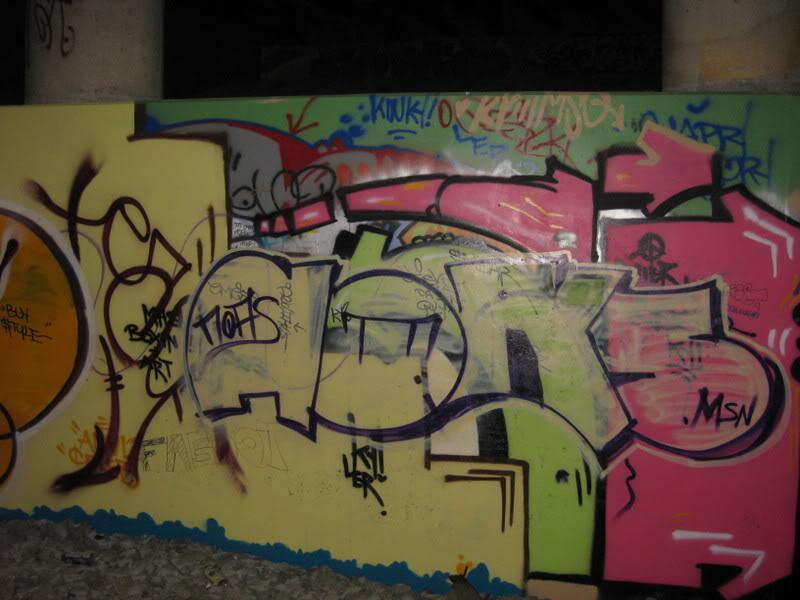 ai35.photobucket.com_albums_d175_roscos21187_009.jpg