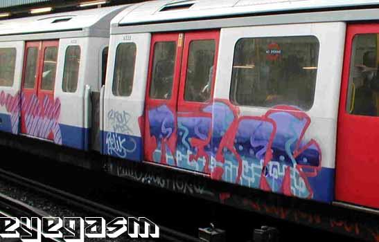 awww.graffiti.org_eyegasm_big_r_relik01.jpg
