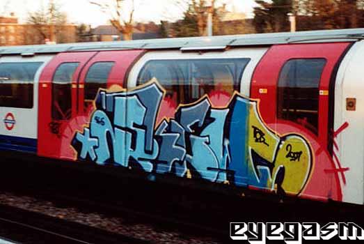 awww.graffiti.org_eyegasm_big_s_skew03.jpg