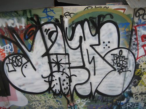 ai575.photobucket.com_albums_ss194_savesall_1527968348_9875e9cd67.jpg