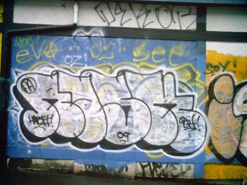 ai17.photobucket.com_albums_b77_JoeCurry403_SUNP0252.jpg