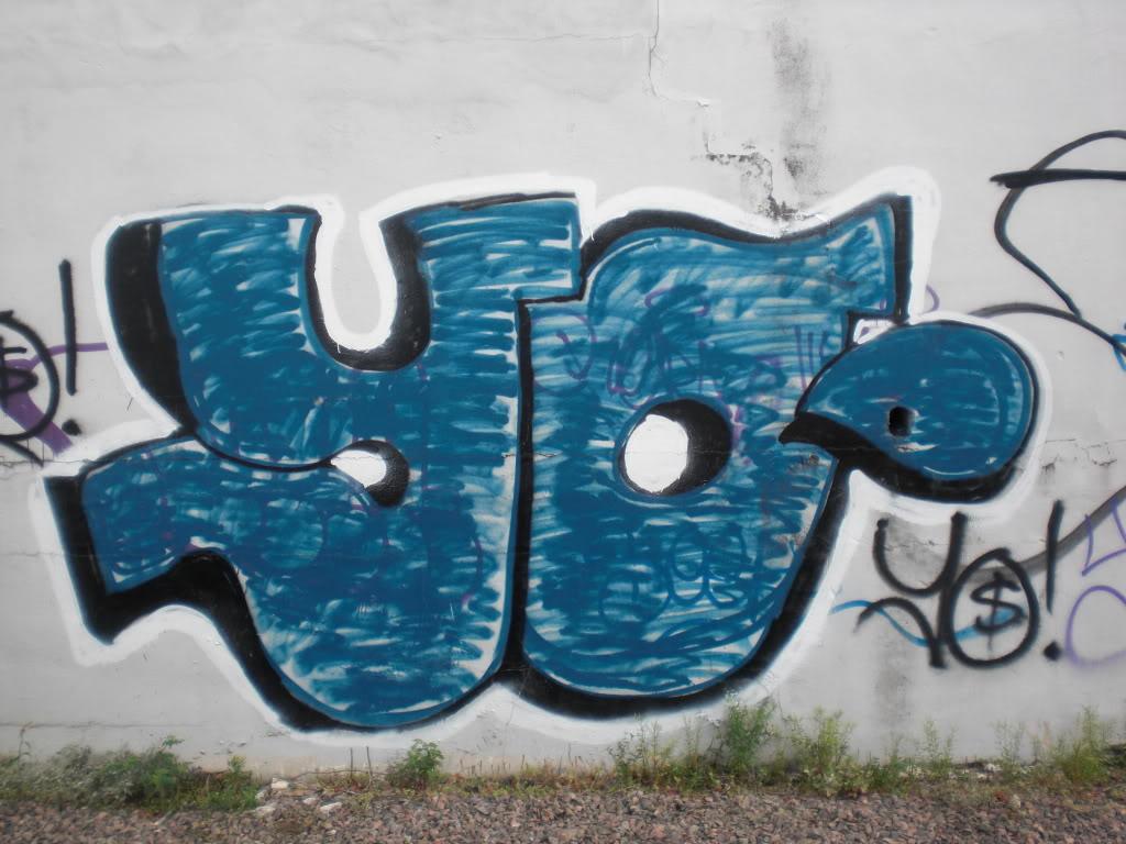 ai467.photobucket.com_albums_rr40_bomb_the_city_CIMG8447.jpg