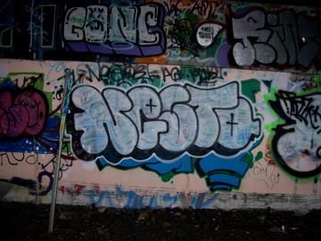 ai75.photobucket.com_albums_i318_poochyjames_100_2361.jpg