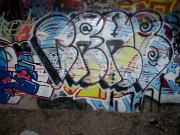 ai75.photobucket.com_albums_i318_poochyjames_100_2376.jpg