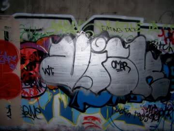 ai75.photobucket.com_albums_i318_poochyjames_100_2377.jpg