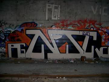 ai75.photobucket.com_albums_i318_poochyjames_100_2382.jpg