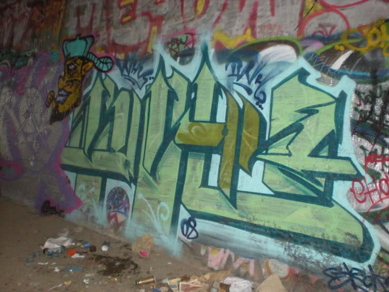 ai20.photobucket.com_albums_b250_Ryizzle2_DSCN1447.jpg