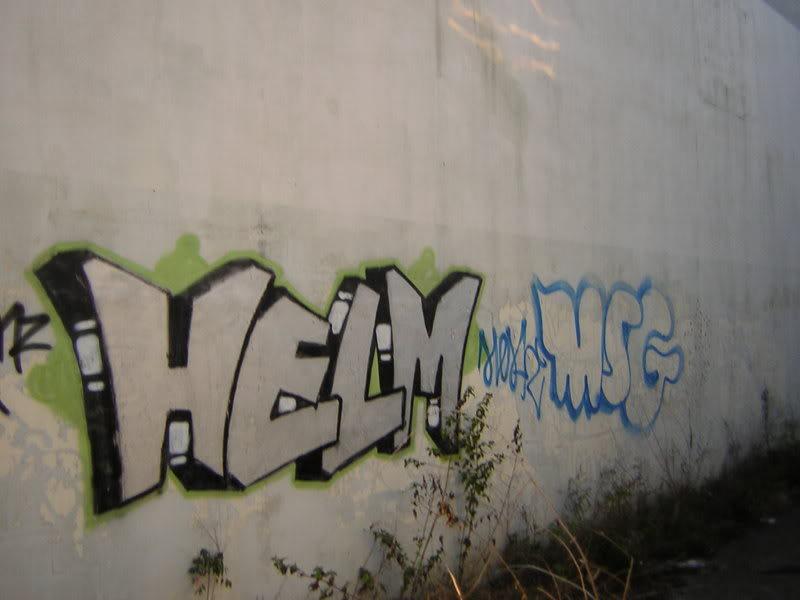 ai261.photobucket.com_albums_ii58_drgizmo2008_helmmsg.jpg