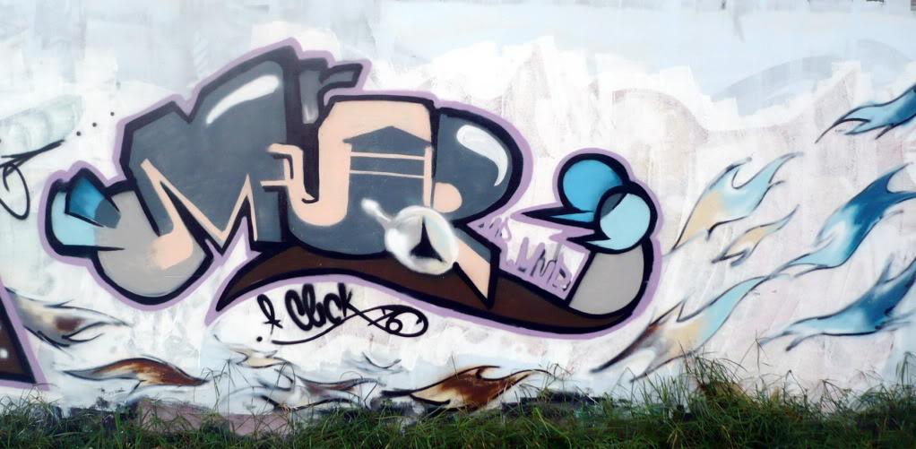 ai383.photobucket.com_albums_oo275_KDee_writer_Mural_1.jpg