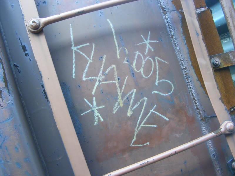 ai381.photobucket.com_albums_oo257_CaNaDuH905_trains_DSCF2263.jpg