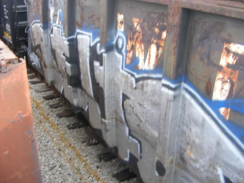ai381.photobucket.com_albums_oo257_CaNaDuH905_trains_DSCF2275.jpg