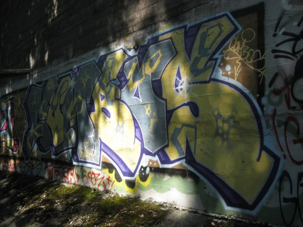 ai292.photobucket.com_albums_mm35_ruseone_BC_Picture375.jpg
