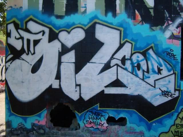 ai817.photobucket.com_albums_zz98_1LORDSHAFIYQ_oiltribute.jpg