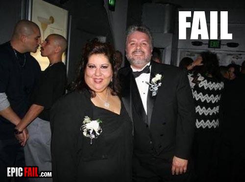 awww.epicfail.com_wp_content_uploads_2009_09_formal_photo_fail.jpg