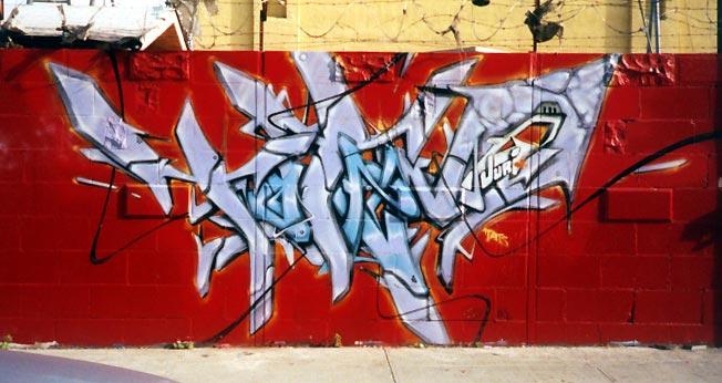 awww.graffiti.org_nyc_totem_red_bk.jpg