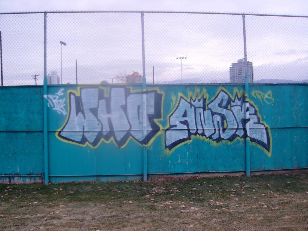 ai795.photobucket.com_albums_yy235_Ribzoah_049.jpg