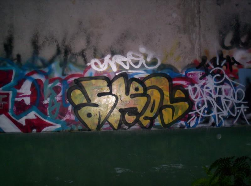 ai381.photobucket.com_albums_oo257_CaNaDuH905_100_9387.jpg