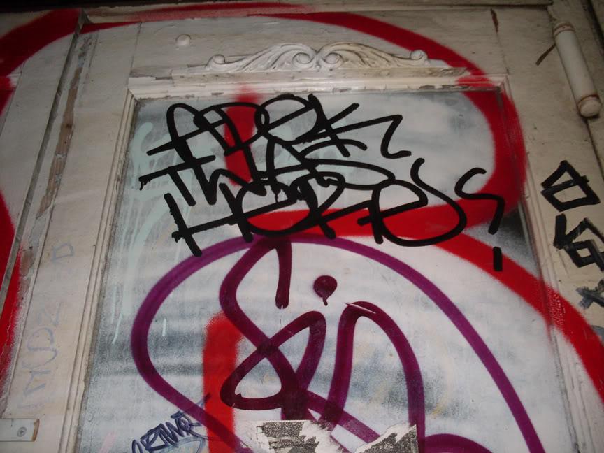 ai693.photobucket.com_albums_vv298_thisweekinvandalism_ADEKwashere_1.jpg
