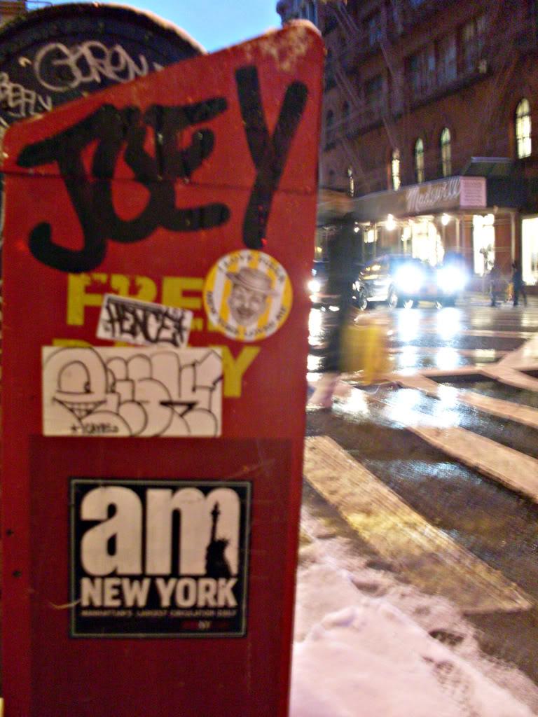 ai693.photobucket.com_albums_vv298_thisweekinvandalism_JOEYNewspaperdispenser.jpg