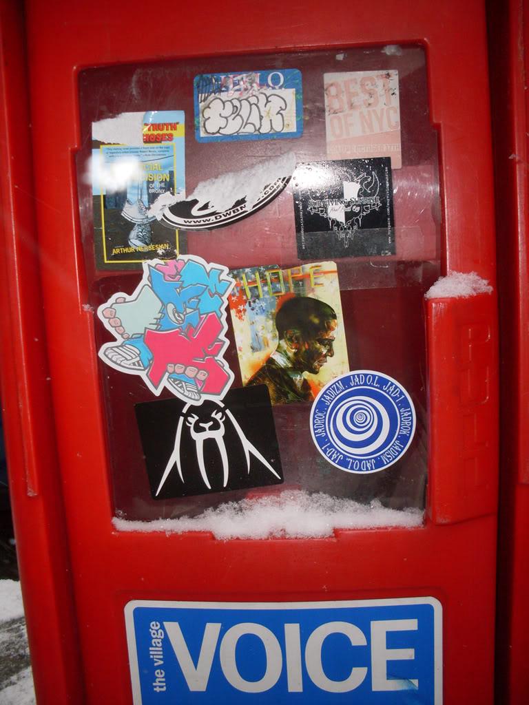 ai693.photobucket.com_albums_vv298_thisweekinvandalism_NewspaperDispencerHOPEOBAMA_1.jpg