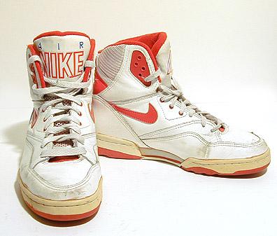 asneakerfiles.com_wp_content_uploads_2006_11_nike_air.jpg