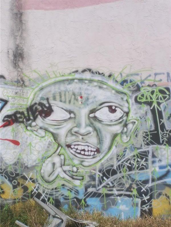 ai1009.photobucket.com_albums_af214_TROUBLE3O5_Graff_l_8bf7f7b75ad5493abbff0aeb8908607b.jpg